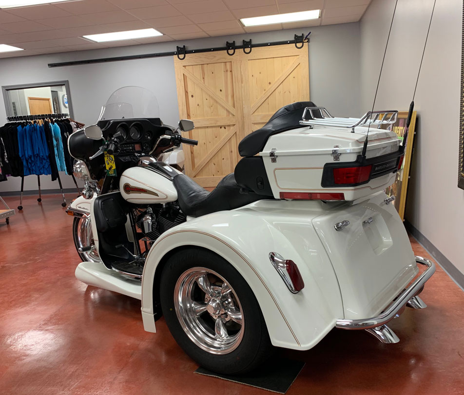 2004 Pearl White Harley Davidson - Motor Trike Conversion